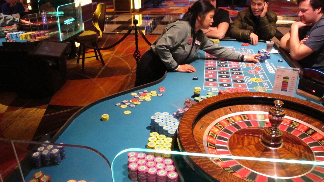 Ten Online Casino Points And how To unravel Them